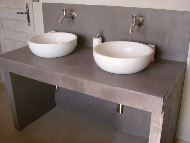 Choisir le kit adapt l 39 utilisation du rev tement en for Kit beton cire salle de bain